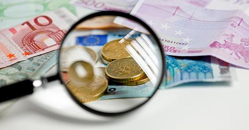 euro-banconote-monete-lente-ingrandimento-marka--672x351